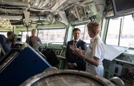 Президенту Украины показали корабли НАТО в Одессе